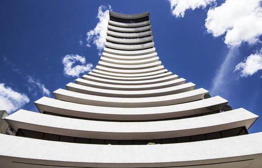 Aseguradora del Valle Building. Image © Stefanía Álvarez