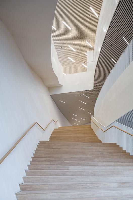 venue foyer stairs. Image © Yong Zhang