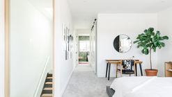 Casa Devani / RNDSQR