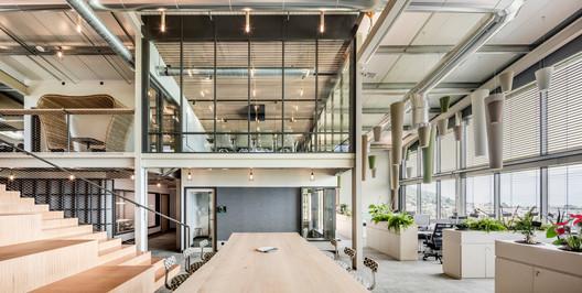 Korus Headquarters Refurbishment / Lautrefabrique Architectes