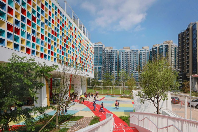 "Henning Larsen's French International School is a ""Vibrant Green Oasis"" for Hong Kong, © Henning Larsen"