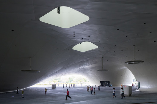 Kaohsiung Performing Arts Center / Mecanoo. Image © Iwan Baan