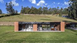 Sun Villa / Bernardo Bustamante Arquitectos