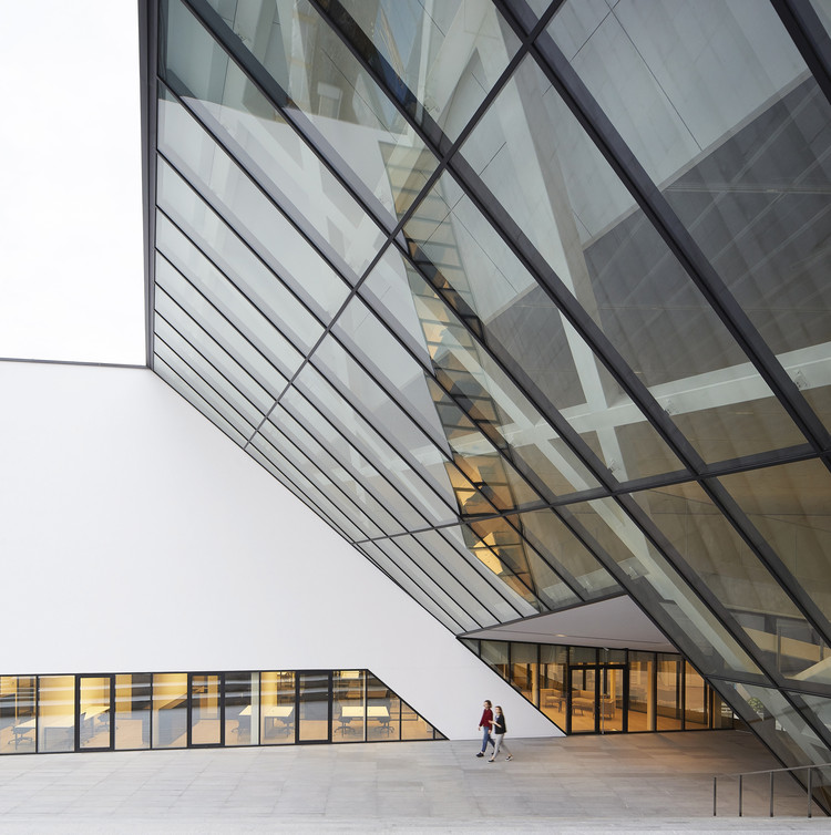 Mo Museum Of Modern Art Studio Libeskind Archdaily