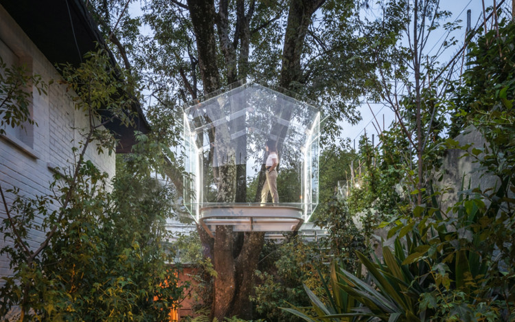 Broissin Arquitectos Reinterprets the Tree House in Glass, © Alexander D'La Roche