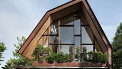 EH House / andramatin