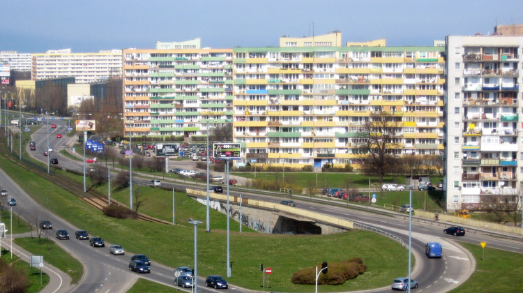 Reclaiming Polish Brutalism: Discover the Emblems of Communism, Falowiec / Gdańsk. Image Courtesy of Wikimedia