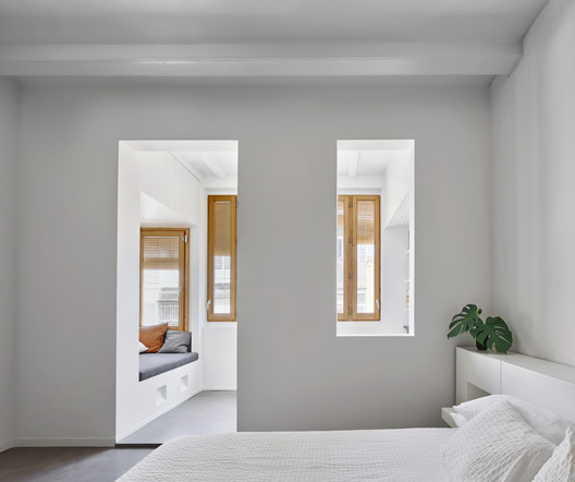 Apartment in Gracia / Kahane Architects + Maria Alarcón