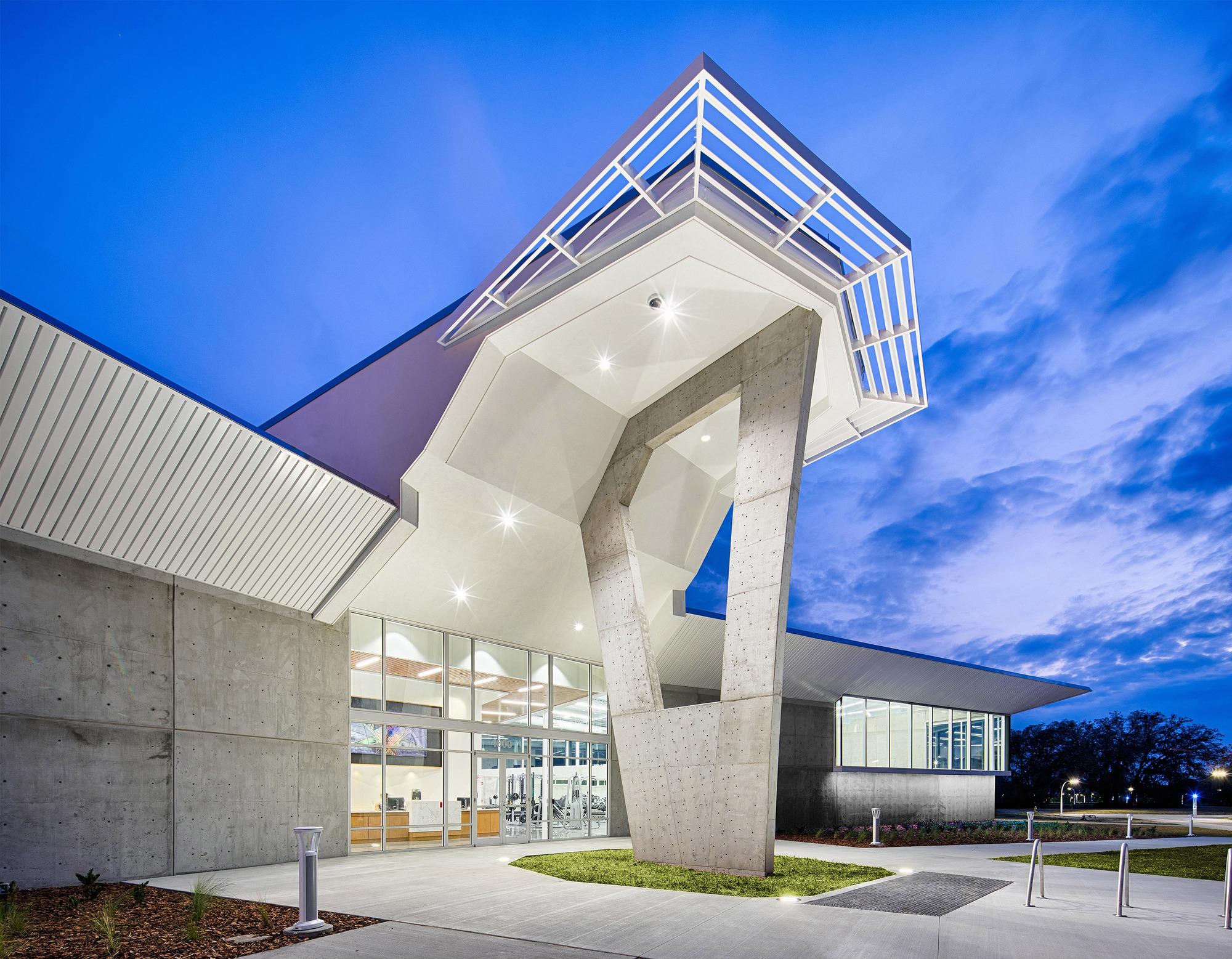 Florida Polytechnic University Student Development Center / Straughn Trout Architect