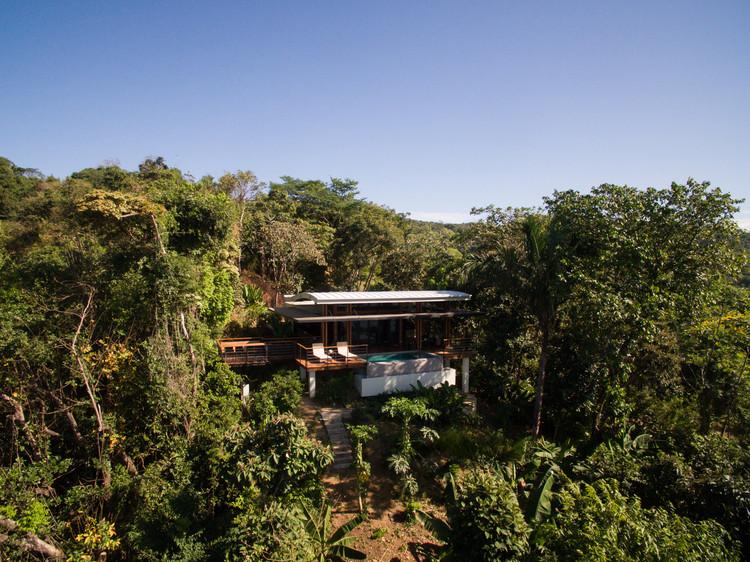 Earth and Sea House / José Manuel Álvarez Cruz