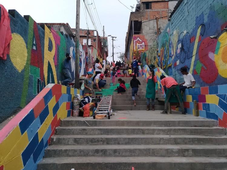 Graffiti: transformando paisagens, ocupando lugares, Olhe o Degrau Jardim Nakamura. Image © Cidade Ativa