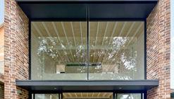 Brick Aperture House / Kreis Grennan Architecture