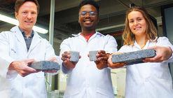 Investigadora presenta ladrillo biológico hecho con orina humana