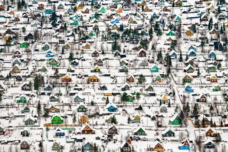 Fotografias premiadas capturam a beleza da arquitetura e dos espaços urbanos, Toy houses. Image © Fyodor Savintsev (RU), 1o Classified