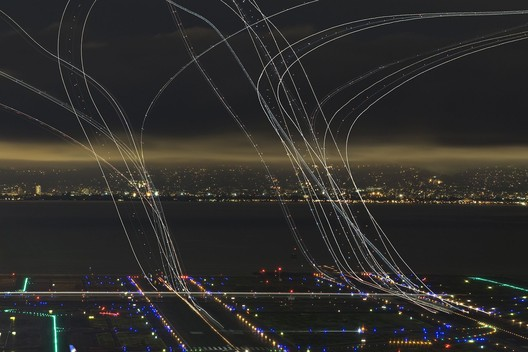 4 Hours of Air Traffic. Image © Garret Suhrie (US), Honorable Mention