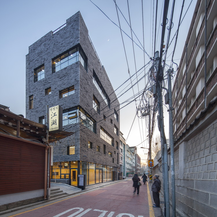 Brick-Mesh / ThEPlus Architects, © Ryoo, In Keun