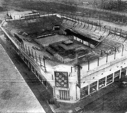 Luna Park. Image vía Desconocido [Wikipedia]Licencia bajo dominio público