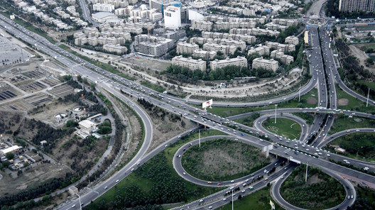 In Tehran, Design Principles of American Suburbia Unexpectedly Persist