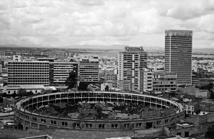Bogotá, según la fotografía de Hernán Díaz, © Archivo de Bogotá
