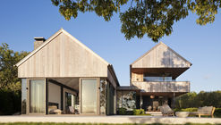 East Lake House / Robert Young Architects