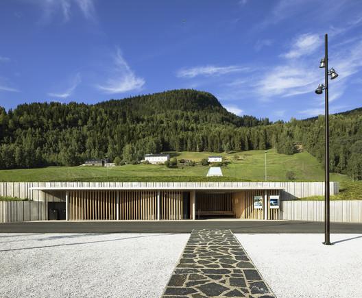 Krekke Rest Stop Area / Pushak + Lala Tøyen