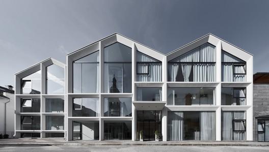 Hotel Schgaguler / Peter Pichler Architecture