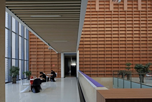 Hall of the library. Image © Guangyuan Zhang