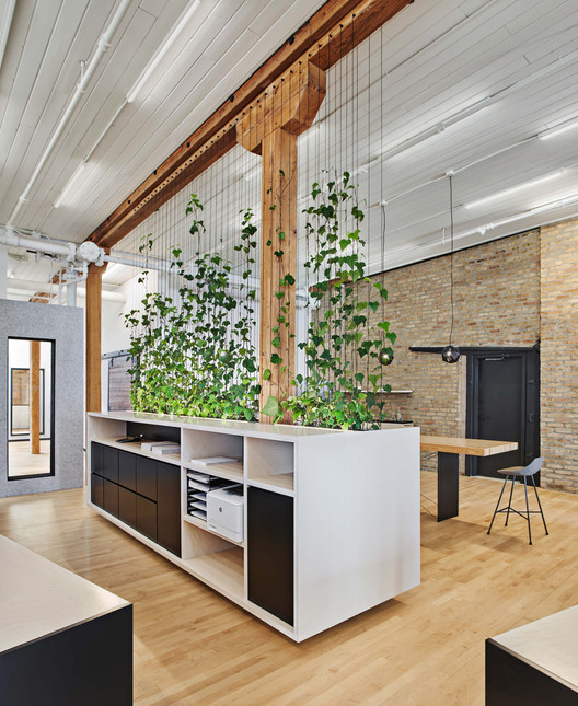 Sukhman Yagoda Law Offices / Vladimir Radutny Architects, © Mike Schwartz Photography