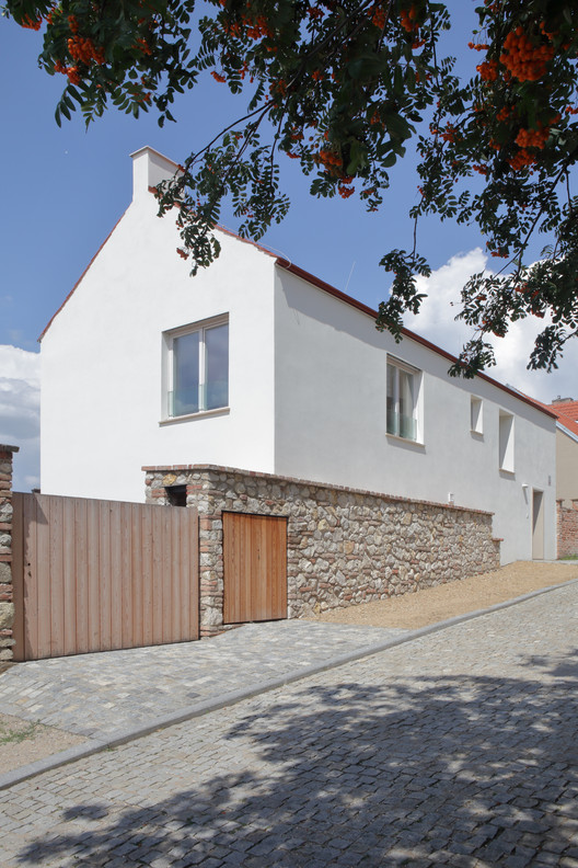 Casa familiar en la calle Zámecká / Mimosa architekti