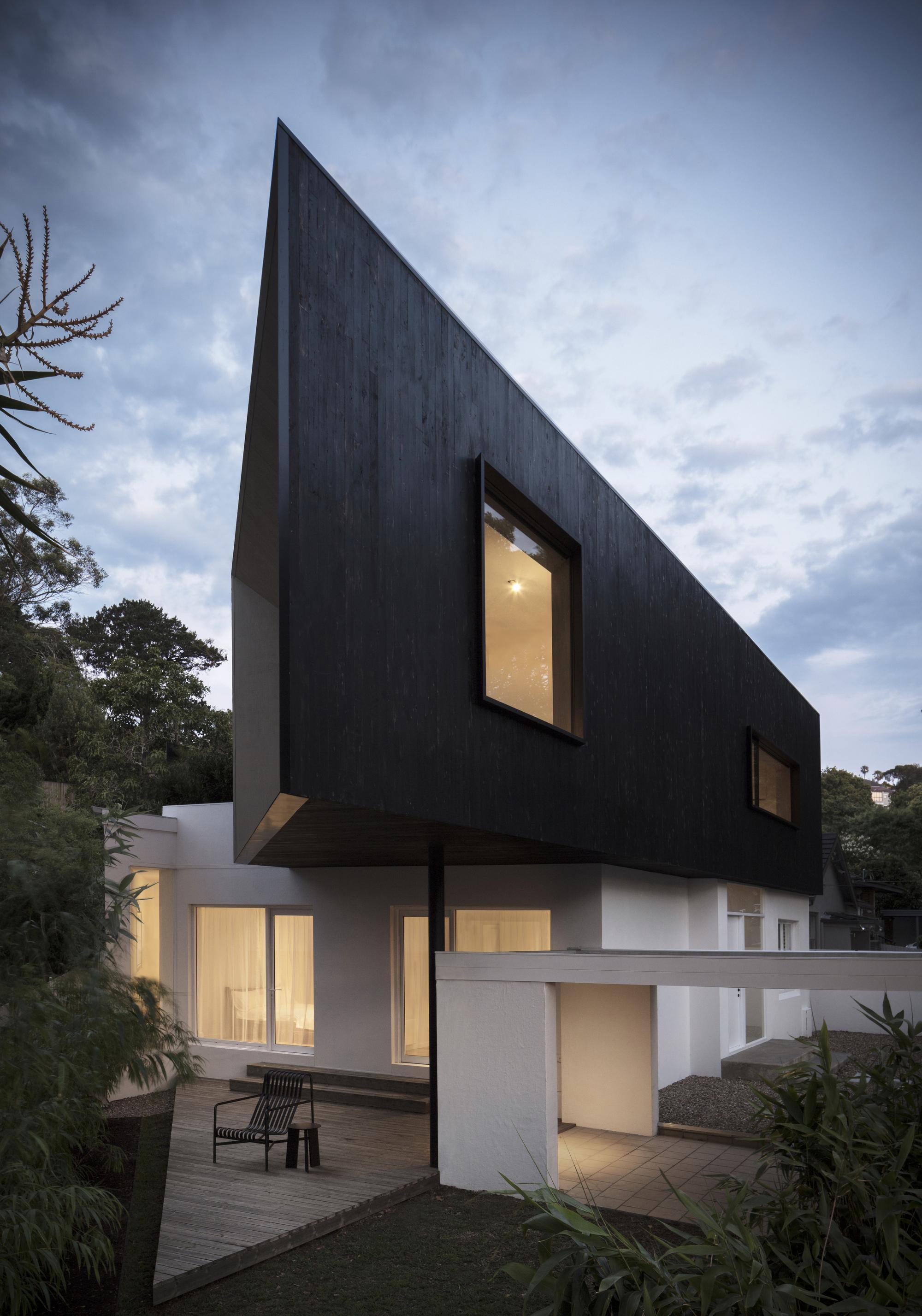 Platform House / studioplusthree
