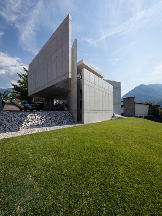 Casa suiza Galbisio / Davide Macullo Architects, © Alexandre Zveiger