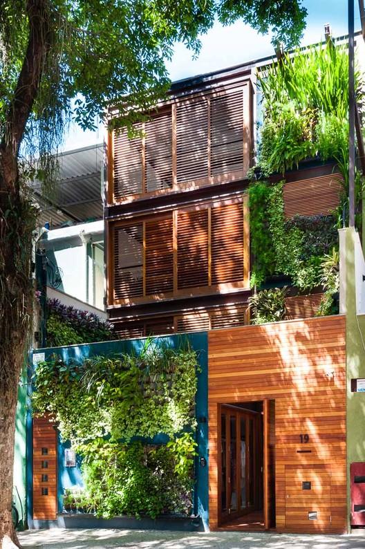 Casa das Acácias / Monica Paciello Viera, © Daniel Morcillo