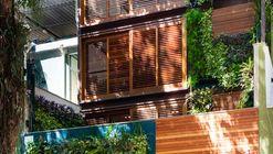Casa das Acácias / Monica Paciello Viera