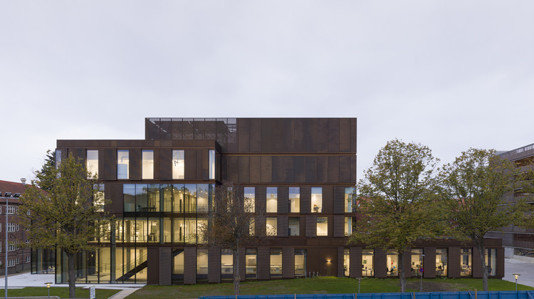 Laboratory and Logistics Building / Mikkelsen Architects, © Hampus Berndtson
