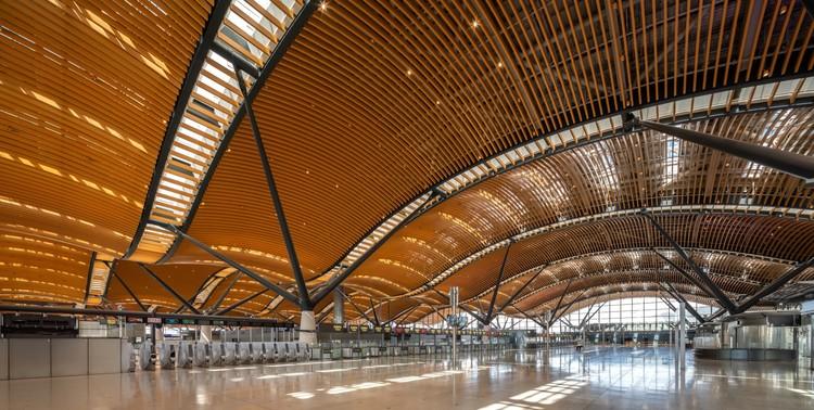 Passenger Clearance Building / RSHP + Aedas, © Kerun Ip