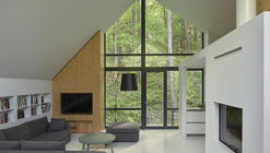 Casa em Rasu Namai / Inblum Architects