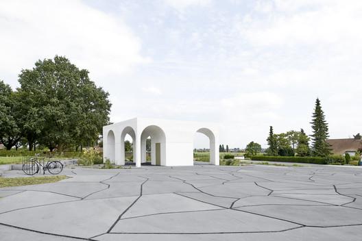 Six Vaults Pavilion / Gijs Van Vaerenbergh