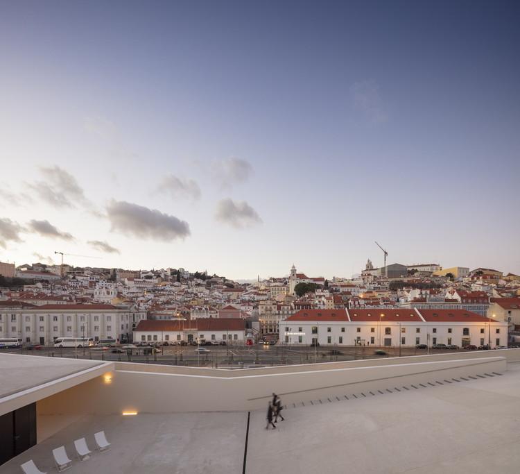 Carrilho da Graça é o ganhador do primeiro Prêmio de Arquitetura Leon Battista Alberti, Terminal de Cruzeiros de Lisboa. Image © Fernando Guerra | FG+SG