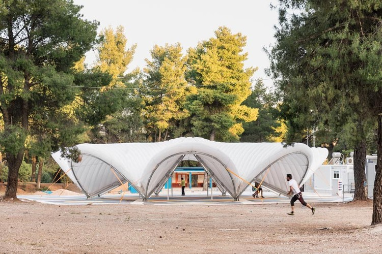 "The First ""Maidan Tent"" is Built to Aid Refugees in Greece, © Delfino Sisto Legnani and Marco Cappelletti"