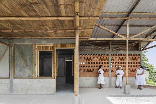 Rural House in Puebla / Comunal Taller de Arquitectura. Image © Onnis Luque
