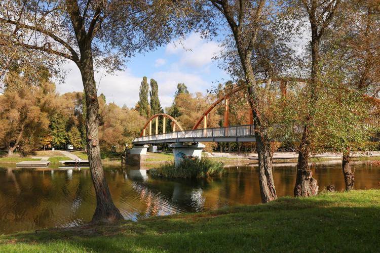 Vezelka Embankment in Belgorod / Strelka KB + Strelka Architects