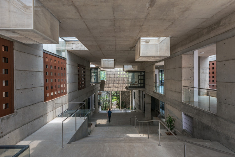 IIM-B New Classroom Complex / Mindspace Architects