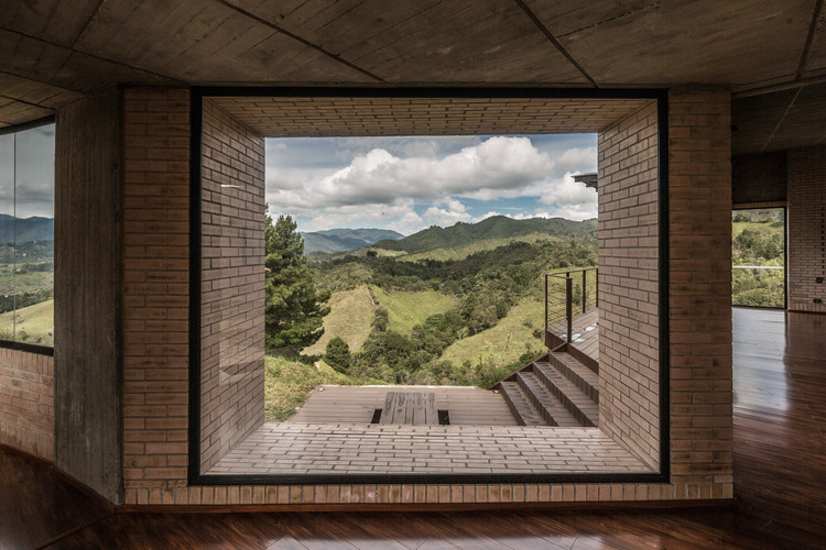 15 Colombian Projects Pushing the Brick Envelope, Casa La Serena / Sebastián Gaviria Gómez. Image © OLMO Fotografía