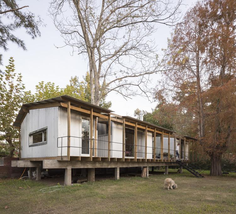 Casa Dique Luján / FRAM arquitectos, © Fernando Schapochnik