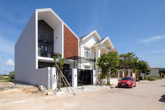 Casa PH / Mét Vuong Studio