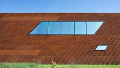 Feyenoord Rotterdam Training Complex / MoederscheimMoonen Architects