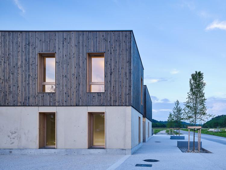 Incubadora de empresas Le Cap / Reach & Scharff Architectes + Hors les Murs Architecture, © Kevin Dolmaire