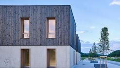 Incubadora de empresas Le Cap / Reach & Scharff Architectes + Hors les Murs Architecture