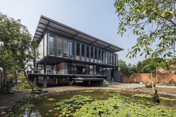 Hoang Tuong House & Studio / Truong An Architecture, © Hiroyuki Oki