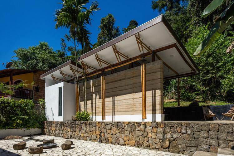 Casa de Huéspedes en Parati / CRU! Arquitectos, © Nelson Kon